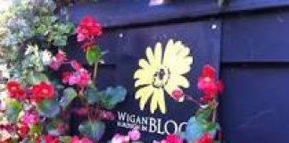 Borough in Bloom logo