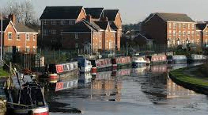 canal at appley bridge