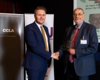 photo of Lord Smith receiving award